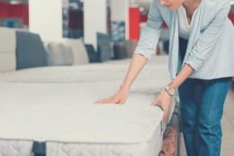 Vén màn bí mật sử dụng đệm lò xo có bị đau lưng không?